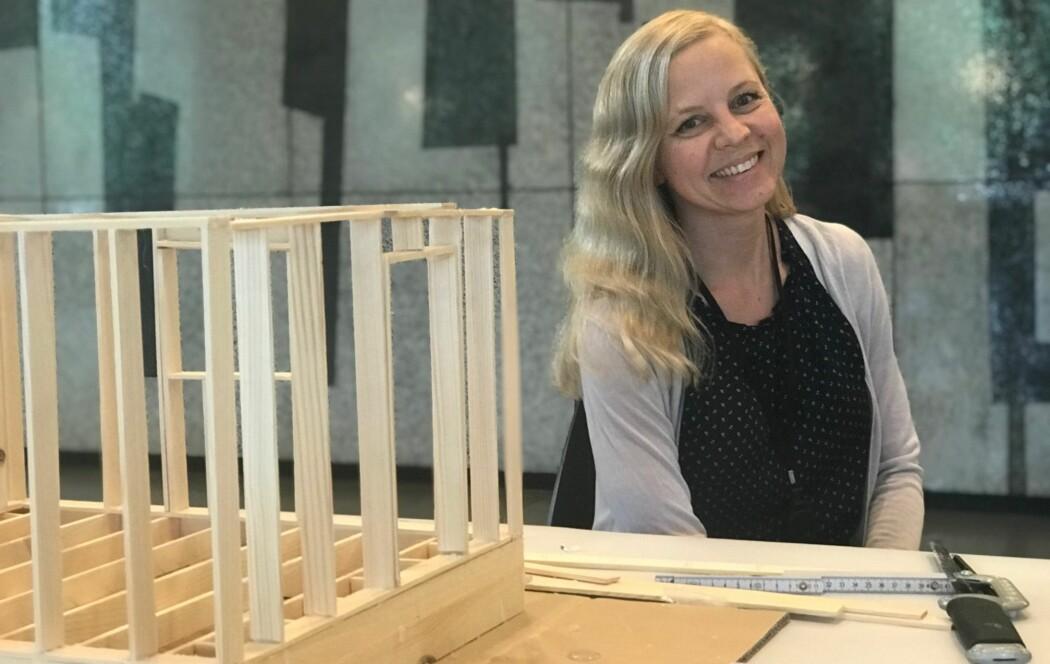 Polske Iwona Kilanowska, rådgiver i Byggenæringens Landsforening, mener vi kanskje burde bekymre oss mer for at mange polske arbeidsinnvandrere drar hjem. (Foto: Siw Ellen Jakobsen)