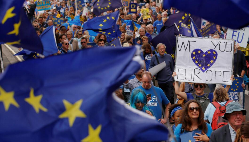 Folk i London gikk i demonstrasjon for Europa og mot Brexit 3. september i år. Ifølge forsker ved UiT vil Brexit få lite å si for domstolen i landet.  (Foto: Reuters / NTB Scanpix)