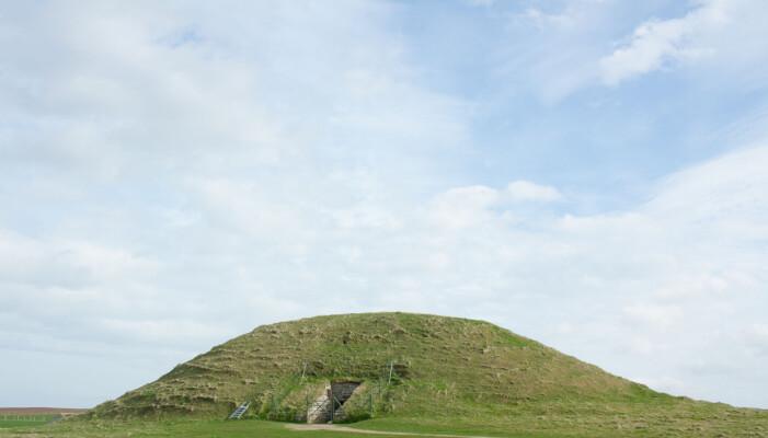Maeshowe: Gravhaugene på Orknøyene ble påbegynt cirka år 3000 år før vår tidregning, og åpnet igjen på 1100-tallet. Foto: Karen Langsholt Holmqvist