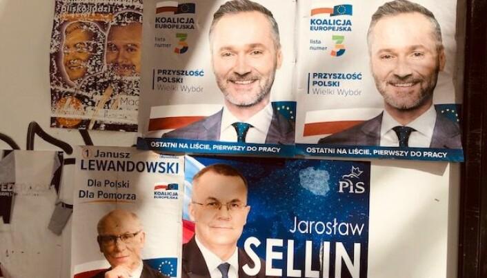 Tradisjonelt har valgdeltakelsen til EU-valg vært lav i medlemslandene. Men interessen for valget er i år større enn noensinne. Her valgplakater fra Polen. (Foto: Bård Amundsen)