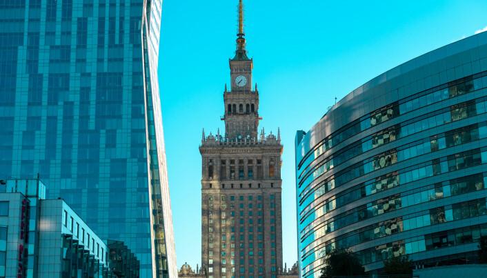 Polens økonomi går så det suser. Nå er arbeidsledigheten rekordlav og færre har behov for å reise ut for å få seg jobb. Her fra Paradeplassen i Warszawa. (Foto:TR STOK / Shutterstock / NTB scanpix)