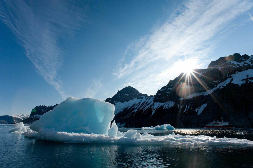 Isen smelter, temperaturen stiger, framtiden blir formet av hvor raskt vi kan bremse CO2-utslippene. Er det en klimakrise? Et klimasammenbrudd? Gi oss din mening nederst i denne artikkelen eller i Facebook-gruppen Red verden. (Foto: Tony Skerl / Shutterstock / NTB scanpix)