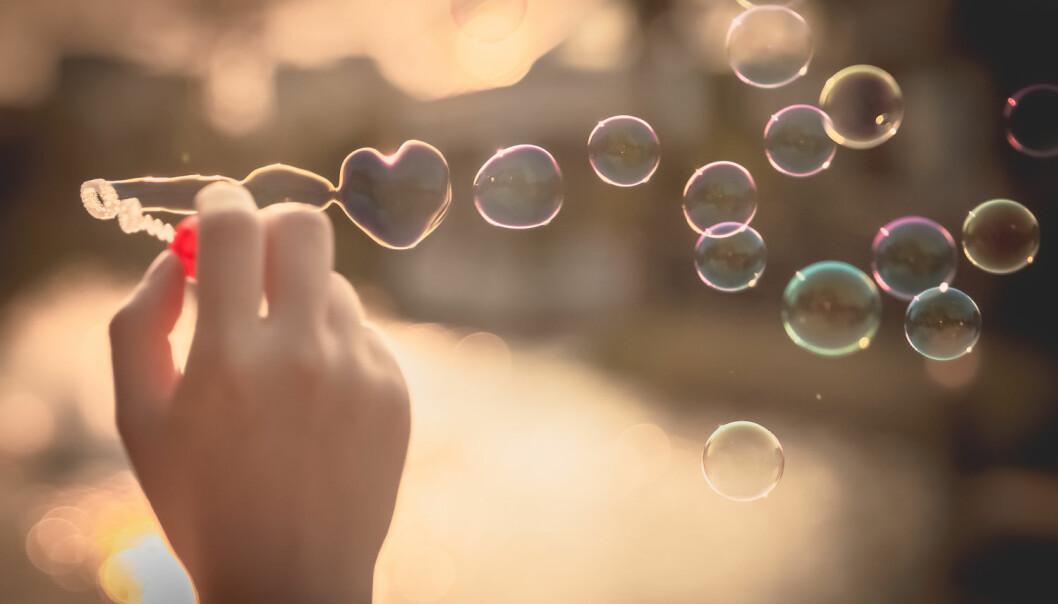Kjærlighetshormonet oksytocin vekker interesse over alt. Nå har et oppsiktsvekkende funn av stoffet i blod vakt oppsikt blant internasjonale forskere.  (Foto: olakumalo, Shutterstock, NTB scanpix)