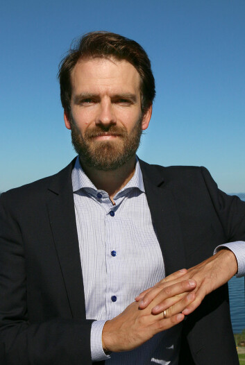 Joar Øveraas Halvorsen jobber nå 50 prosent som klinisk psykolog ved Nidaros Distriktspsykiatriske Senter og 50 prosent i post.doc.-stilling ved Spesialpoliklinikken for traumer og PTSD. Der forsker han blant annet på psykologisk behandling av PTSD. (Foto: NTNU)