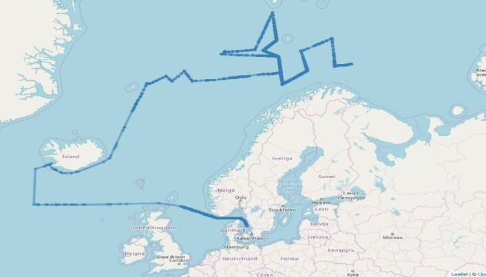 Dette er AIS sporing av et utenlandsk skip som har seilt store avstander samtidig som det har vært innom militære øvelser og militære baser i Norge. Det har også seilt parallelt med undervannskabler/kommunikasjonskabler ut fra Norge. (Illustrasjon: FFI)