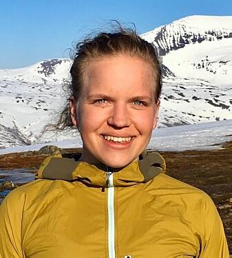 Stipendiat Sofia E. Kjellman ønsker å redusere sitt klimaavtrykk som klimaforsker ved UiT, og har nylig skrevet om dette i Nature Careers. (Foto: privat)