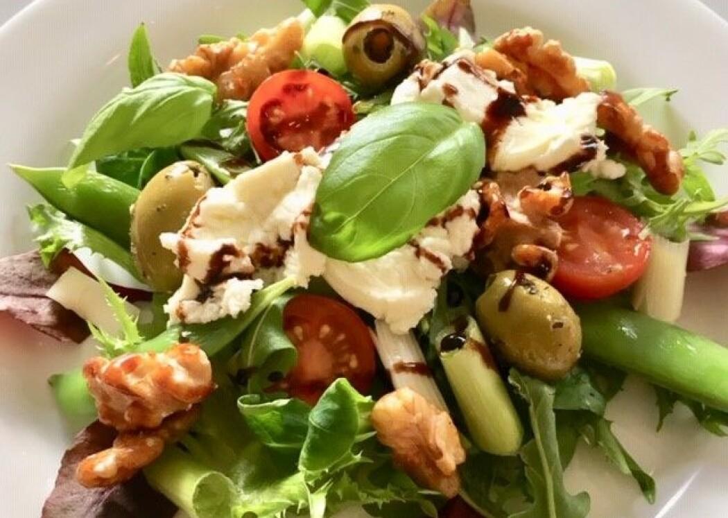 Siden 1997 har andelen som spiser vegetarisk middag økt blant nordmenn, svensker, dansker og finner. Middag hjemme med familien dominerer fortsatt. (Foto: Anne Lise Stranden/forskning.no)