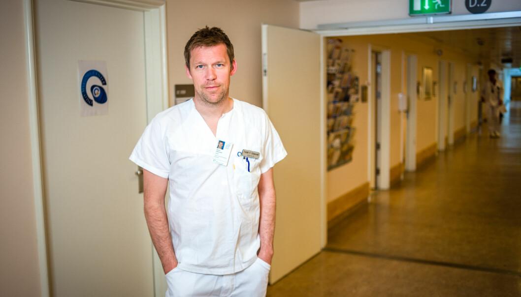 - Deltakerne som fikk isatuximab levde fem måneder lengre uten tilbakefall enn i kontrollgruppen, sier Fredrik Schjesvold, leder for Oslo myelomatosesenter ved Oslo universitetssykehus. (Foto: Øystein Horgmo/UiO)