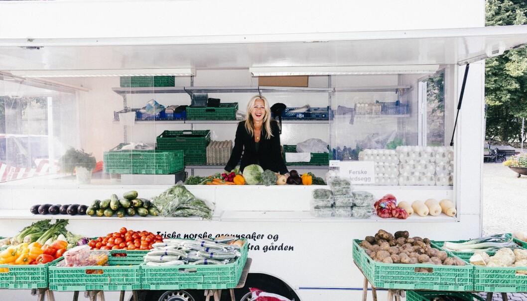 – Ferieslutt er en fin anledning til å innføre gode vaner, men det er godt nok å spise vanlig, variert og sunn mat, sier ernæringsfysiolog og forsker Elisabeth Lind Melbye. (Foto: Asbjørn Jensen)