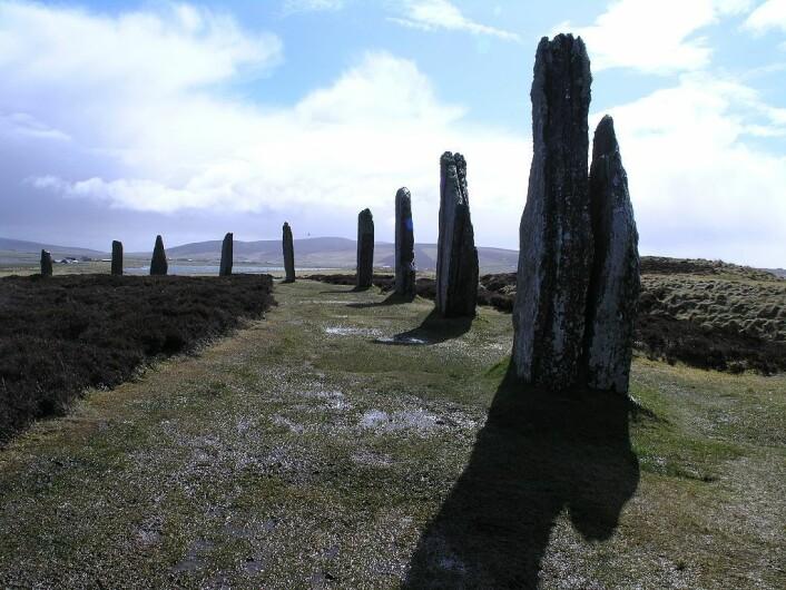 Et annet eksempel på bautasteiner, plassert i en ring på Orknøyene i Skottland. Det er ukjent om det ligger noen vikinger begravet her. (Foto: Paddy Patterson/CC BY 2.0)