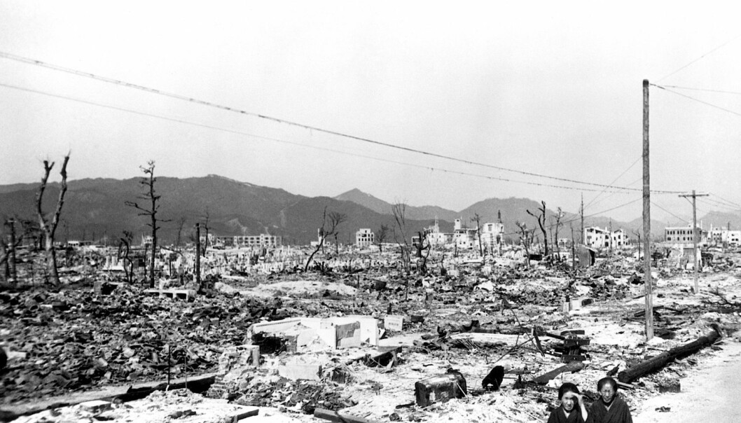 Omtrent halvparten av de overlevende etter de to atombombeangrepene på Japan i 1945 deltok i studier etterpå, og målet var åspore strålingsskadene. Bildet viser restene av Hiroshima et par måneder etter bomben. (Foto: Science Photo Library, NTB scanpix)