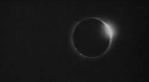 For 119 år siden ble en solformørkelse fanget på film. Nå kan du se videoen