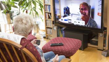 Eldre mennesker er positive til å ta i bruk ny velferdsteknologi, som for eksempel bruk av video til å kommunisere med helsepersonell. Her fra et pilotprosjekt i Randaberg kommune (Foto: Ove Sveinung Tennfjord)
