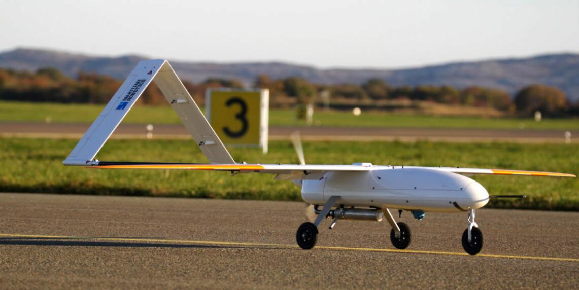 Et ubemannet fly av typen Penguin B er klar for take-off på Ørlandet hovedflystasjon. (Foto: Tor Arne Johansen).
