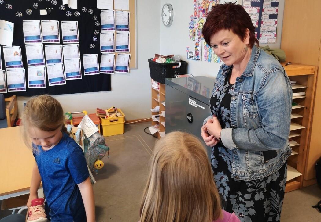 For lærer Inger Ramsfjell var det ingen vei tilbake da hun først hadde introdusert raske bokstaver for sine førsteklassinger. (Foto: Elisabeth Rongved)