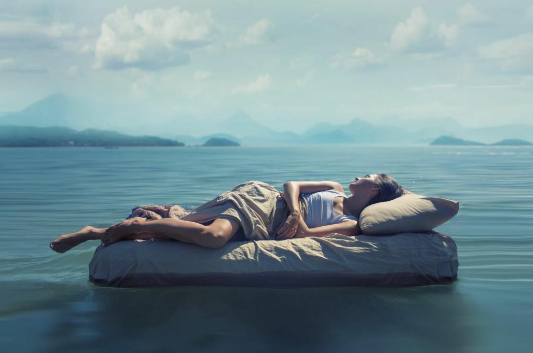 Det er i REM-søvnen vi drømmer, men veien til drømmeland kan være kronglete, viser ny forskning. (Foto: GlebSStock / Shutterstock / NTB scanpix)