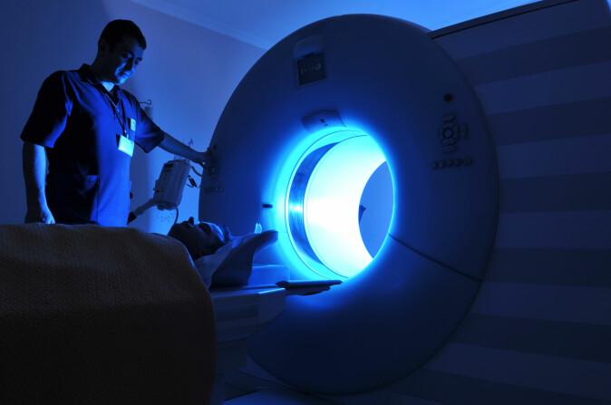 Forsøkspersonene ble lagt i en fMRI-skanner som følger blodgjennomstrømningen i hjernen. (Foto: Levent Konuk / Shutterstock / NTB scanpix)