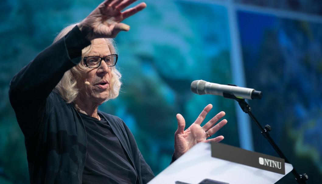 Økolog og professor emeritus Jeremy Jackson fortalte om hvor ille det står til i havet mange steder, mens Norge fikk skryt. (Foto: NTNU vitenskapsfestivalen Big Challenge)