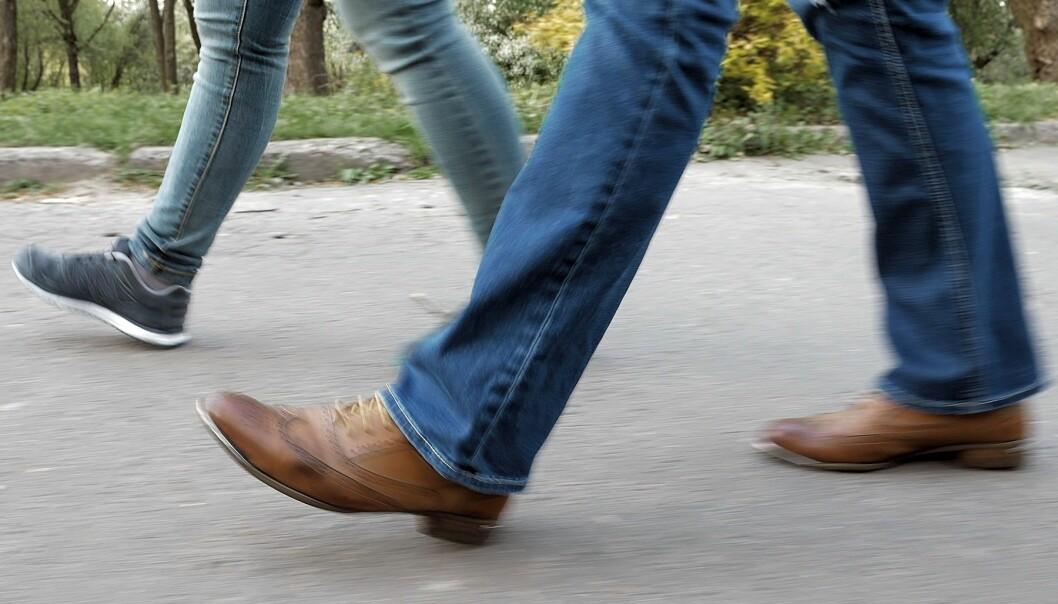 Lite fysisk aktivitet kombinert med mer enn åtte timer stillesitting, øker risikoen for tidlig død med hele 59 prosent. (Illustrasjonsfoto: Colourbox)