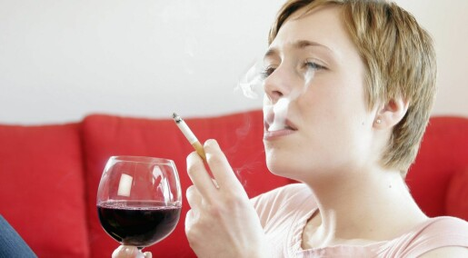 Røykeslutt kan påvirke hvor mye alkohol du drikker