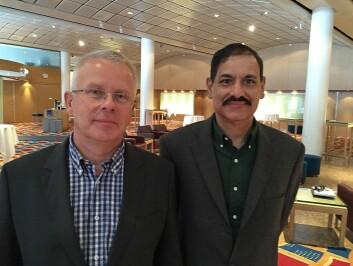 Tor Olav Grøtan i SINTEF Teknologi og samfunn har fått med professor Sujeet Shenoi fra University of Tulsa til å finne hvordan organisasjoner skal håndtere ukjente trusler. (Foto: Claude R. Olsen)