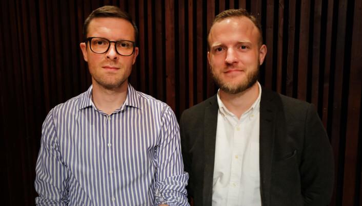 Dag Grytli og Magnus Mühlbradt er rådgivere i Datatilsynet. De har skrevet rapporten som undersøker hvordan politiske partier i Norge bruker digital målretting for å nå frem med sitt budskap. (Foto: Ingrid Schou)