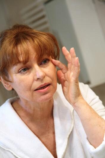 Kremer som får ansiktshuden til å føles ekstra myk og glatt, fjerner også det beskyttende hudlaget som kan beskytte ansiktshuden din mot luftforurensning. (Illustrasjonsfoto: goodluz/Shutterstock/NTB scanpix)