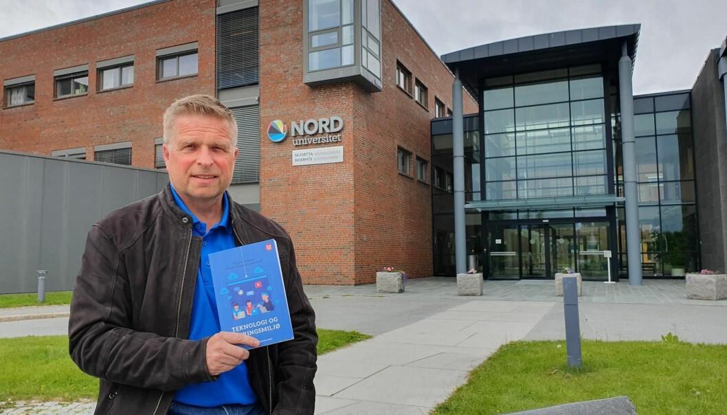 Trond Lekang er medredaktør for en ny bok som handler om teknologi og læringsmiljø i skolen. (Foto: Atle Kristensen)