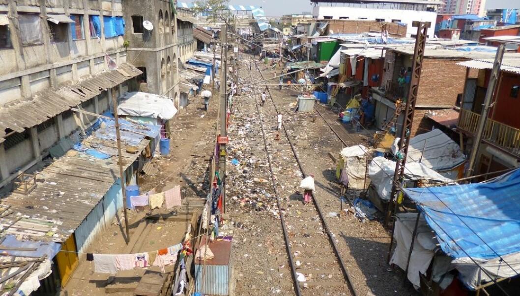 Slumturisme skaper uenighet. Kritikere mener at slumturismen stiller ut og utnytter fattige mennesker, mens de som taler for, mener at turene gir turistene viktig innsikt i livet i andre deler av verden. Nye forskning har undersøkt hva turistene og de fattige selv mener. (Foto: Jason Rogers/Flickr)