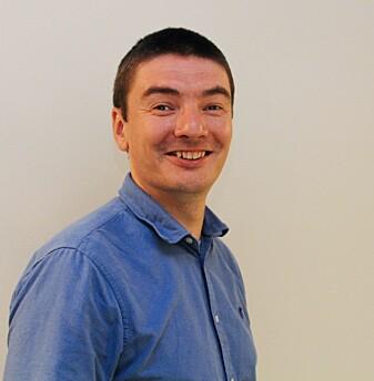 Eirik Keilegavlen bruker åpen kildekode, slik at andre forskere både kan etterprøve ham og bygge videre på modellene hans. (Foto: Øystein Rygg Haanæs/UiB)