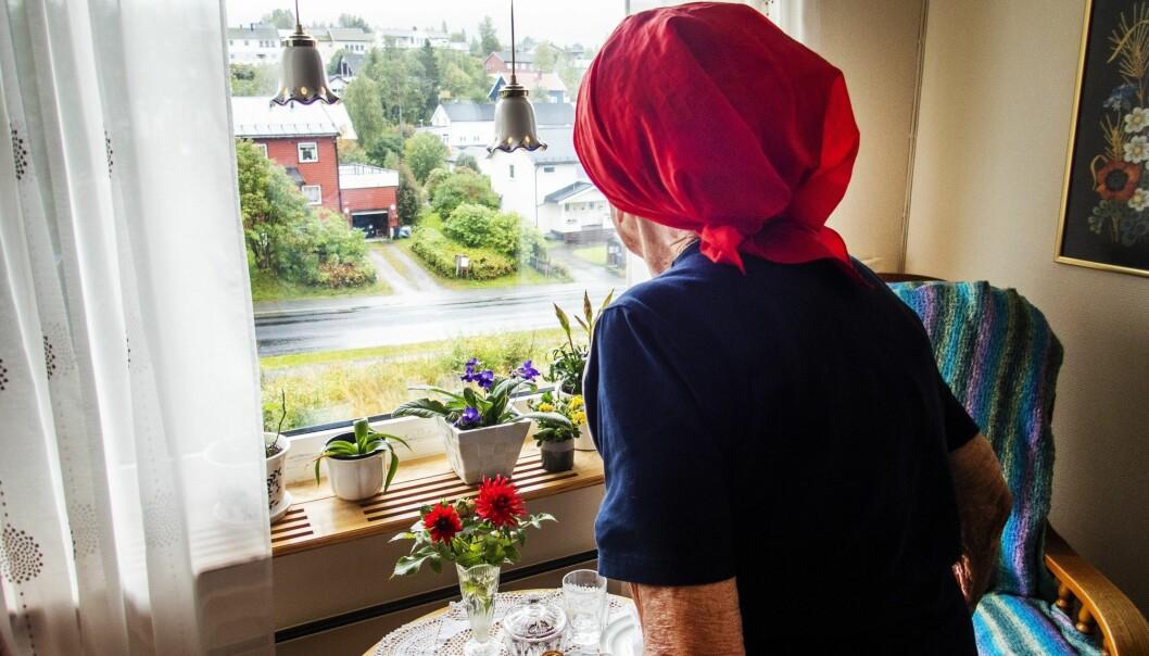 Blant de over 67 år som bor hjemme er det dobbelt så mange kvinner som menn. Også andelen som bor alene i denne aldersgruppen, er vesentlig høyere for kvinner enn for menn. Totalt bor én av tre eldre alene, viser tall fra Statistisk sentralbyrå. (Foto: Gorm Kallestad / NTB scanpix)