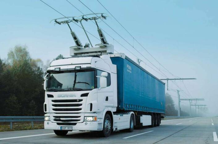 Det svenske prosjekt Elväg er først i verden med å prøve ut luftledninger for lastebiler. (Foto: Prosjekt Elväg)