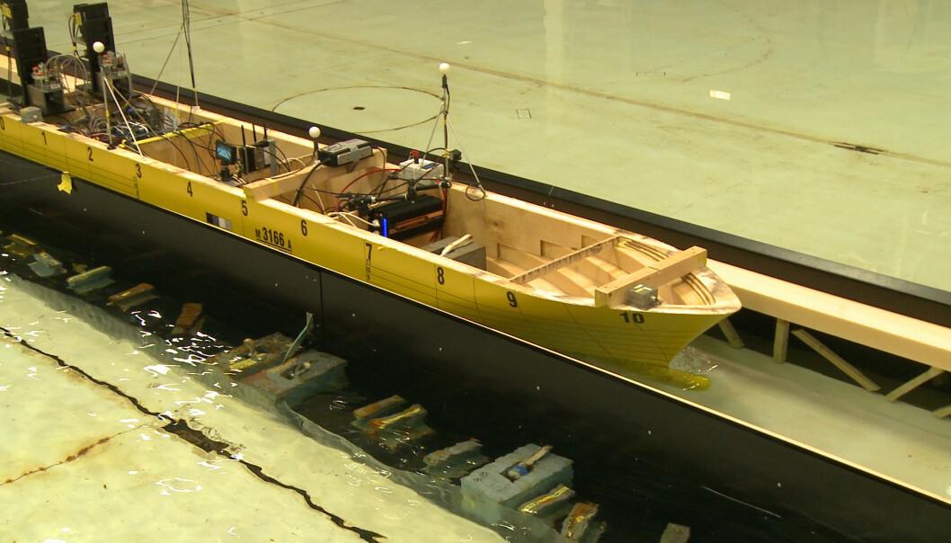 Dette er containerskipet som ble testet ut i stadtunnelen.  (Foto: Ingvild Snøfugl)