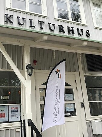 Strømstad Akademi arrangerte Vitenskapsfest i sommerbyen i Bohuslän i juni. (Foto: Siw Ellen Jakobsen)