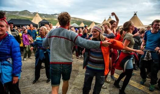 Ut i naturen og inn i festival-modus – der turistar og nordmenn minglar