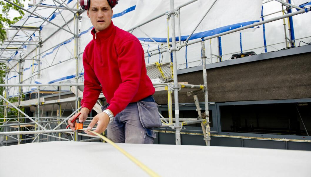 Ungdomsledigheten i Sverige er høy. Unge svensker som kjenner mange i arbeidslivet er mindre utsatt for arbeidsledighet. (Foto: Jens Sølvberg/Samfoto/NTB scanpix)