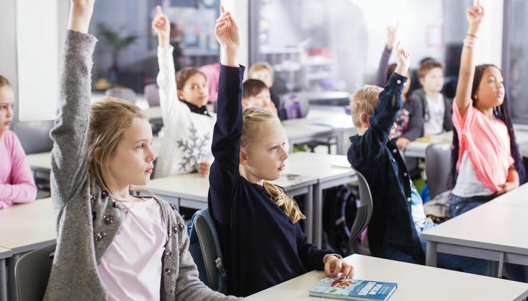 Forskere skal endelig finne svaret på om det hjelper på læringen å ha flere lærere i klasserommet. (Foto: Elisabeth Tønnessen, UiS)