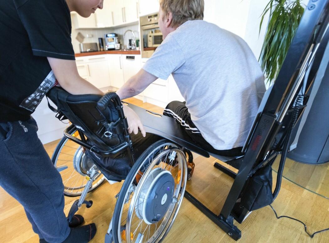 ALS – Amyotrofisk lateral sklerose – er en sykdom som fører til muskelsvinn fordi nervecellene som sender signaler fra hjernen til musklene, blir ødelagt. ALS rammer rundt 150 mennesker i Norge årlig. (Illustrasjonsfoto: Gorm Kallestad, NTB scanpix)