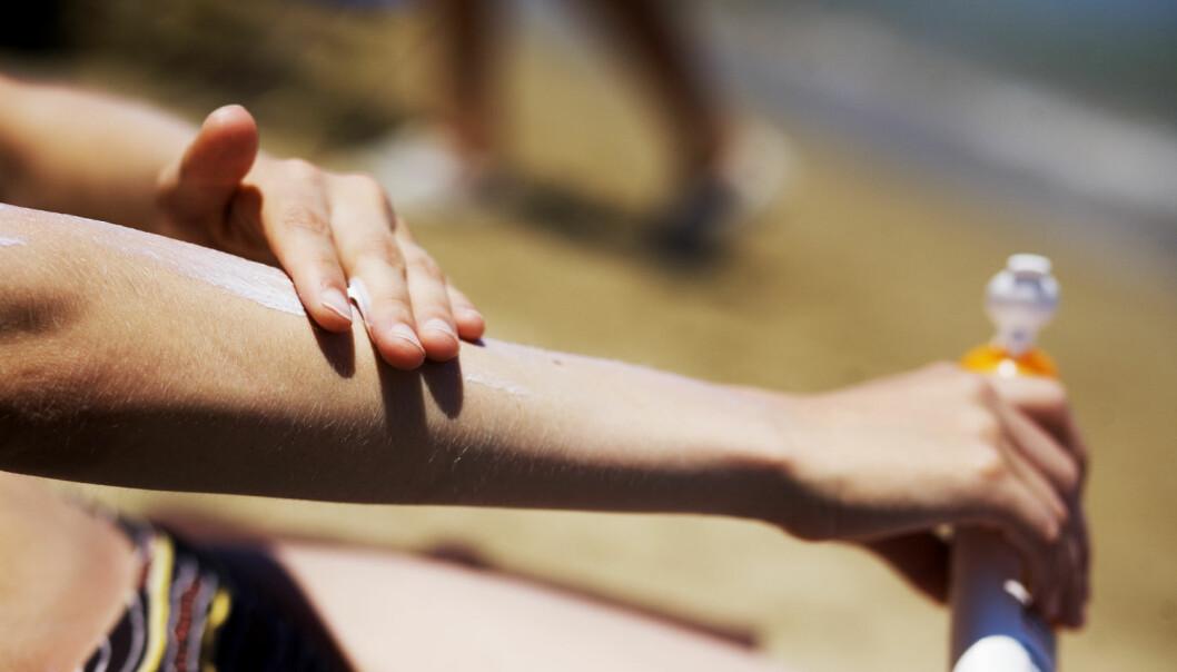 Jo eldre solkremen er, jo oftere må du smøre deg.  (Foto: Kyrre Lien, NTB scanpix)
