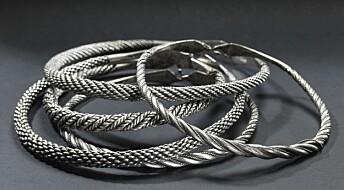 Det er 250 år siden disse vikingsmykkene ble funnet:Men hvorfor ble de gravd ned?