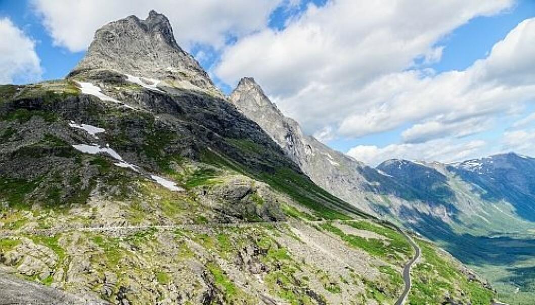 Bruk smarttelefonen for å finne ut mer om geologiske forhold der du er med appen Norges Geologi, her fjellovergangen Trollstigen, Rauma, Møre og Romsdal.  (Foto: colourbox.no)