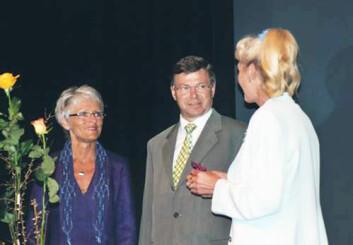 I 2005 samlet Anne-Lise Børresen-Dale verdenseliten av brystkreftforskere i hjembyen Molde. Konferansen ble åpnet av daværende statsminister Kjell Magne Bondevik, også fra Molde. Hans kone Bjørn er en barndomsvenninne av Børresen-Dale. (Foto: Privat)
