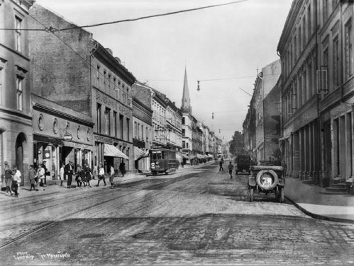 Toppen av uflaks: Kjøpte du en bolig her på Grünerløkka i Kristiania (Oslo) i 1899, måtte du vente helt til 1985 før realprisen på boligen din igjen nådde samme nivå. (Foto: Anders Beer Wilse, Oslo bymuseum)