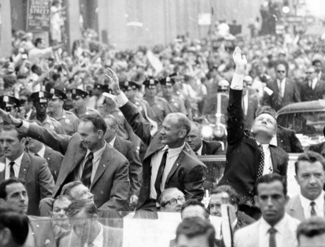 Collins, Aldrin og Armstrong hylles i parade i New York. (Foto: NASA)