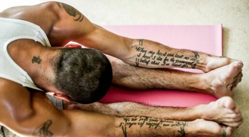 Tar i bruk yoga i rusbehandling: – Pasientene lærer å skape en indre ro