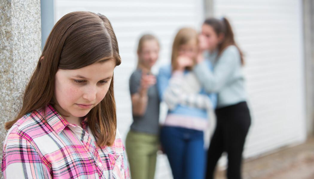 Det er ofte de med sterk posisjon i klassen som er pådrivere for utestenging. Men det er først når flertallet avviser en person at hun eller han faktisk blir ekskludert sosialt. (Foto: Daisy Daisy / Shutterstock / NTB scanpix)