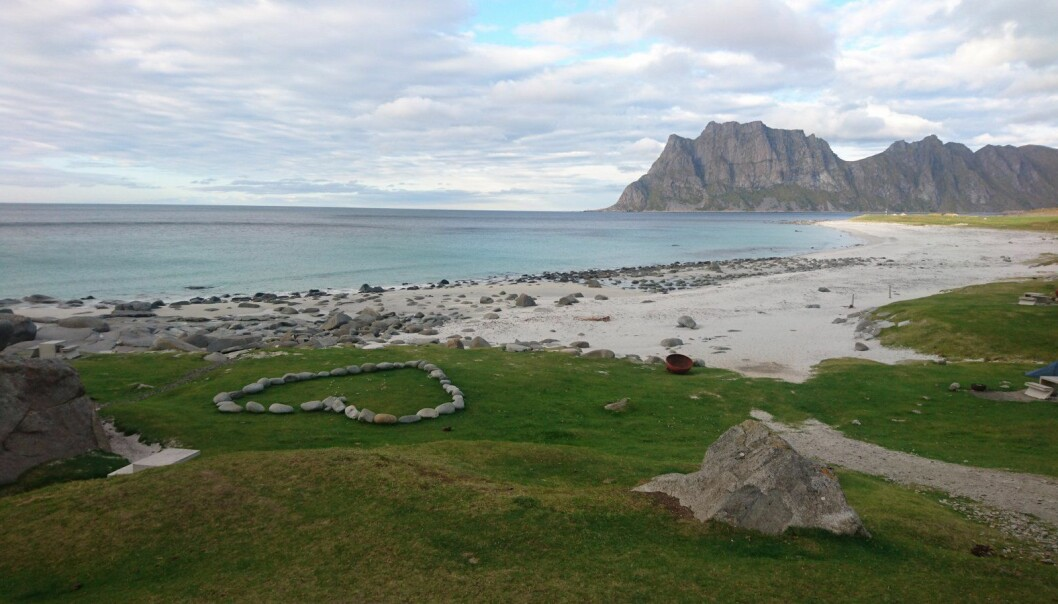 Havforsuring i kystnære områder er et økende problem. På bildet et kystnært område i Vestvågøy i Lofoten. (Foto: Halvor Dannevig)