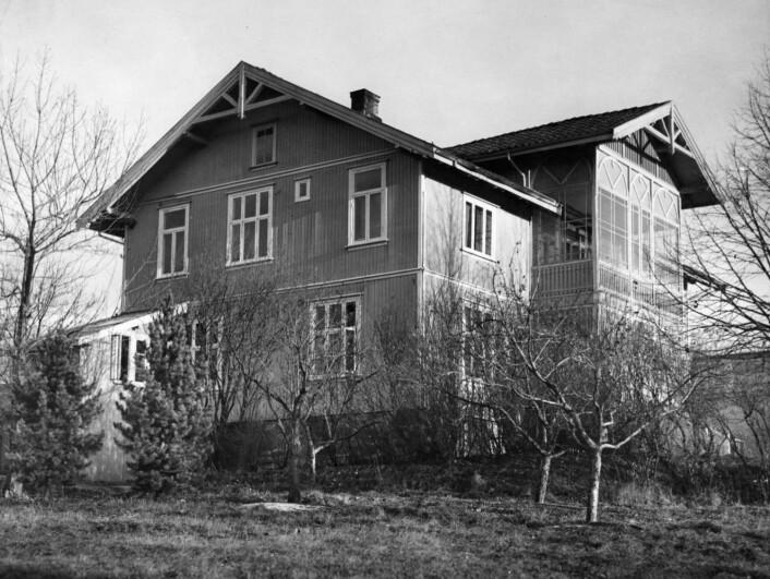 Ekely var Edvard Munchs hjem og der han arbeidet. Der bodde han fra 1916 til sin død i 1944. Bygningen var oppført cirka 1897 og ble revet i 1960. (Foto: NTB scanpix, arkiv)