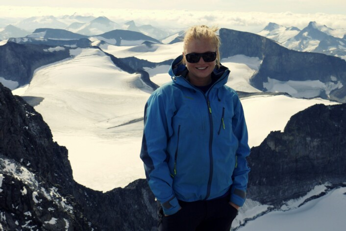 Kjersti Gisnås på feltarbeid i Jotunheimen. Dette var en del av arbeidet med å utarbeide et permafrostkart for Norge. (Foto: Kjersti Gisnås, Institutt for geofag, UiO)