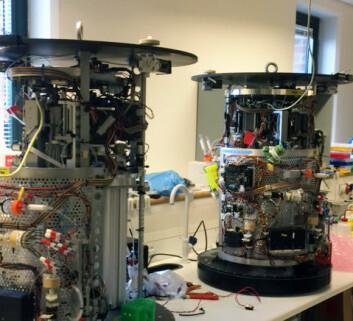 Innmaten til det havgående DNA-laboratoriet under utvikling hos IRIS i Rogaland. (Foto: MBARI)